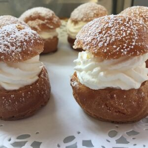 French pastry course Chantilly cream puffs